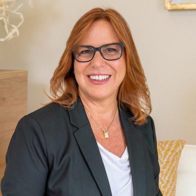 Dr. Nia Banks
